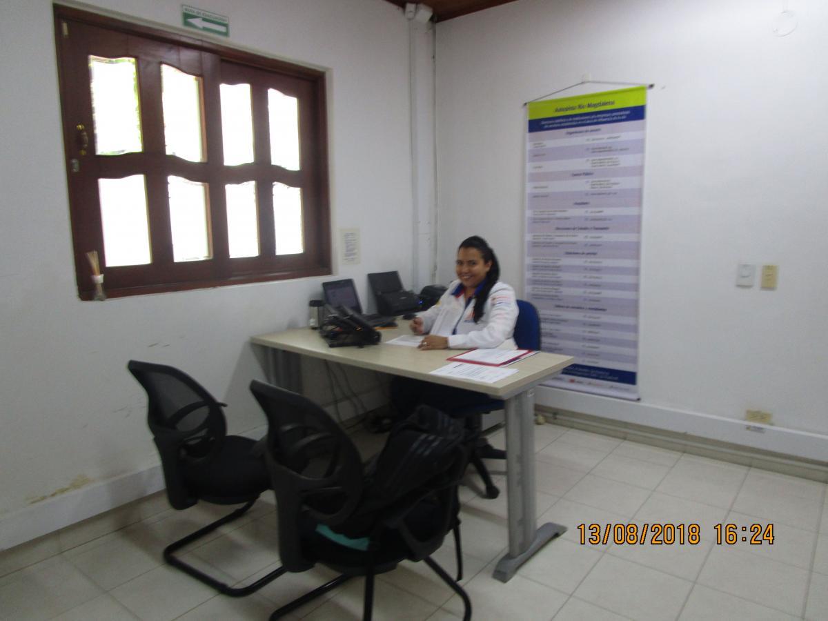 Profesional aptas para la atención al usuario desde la oficina satélite de Puerto Berrío Antioquia.