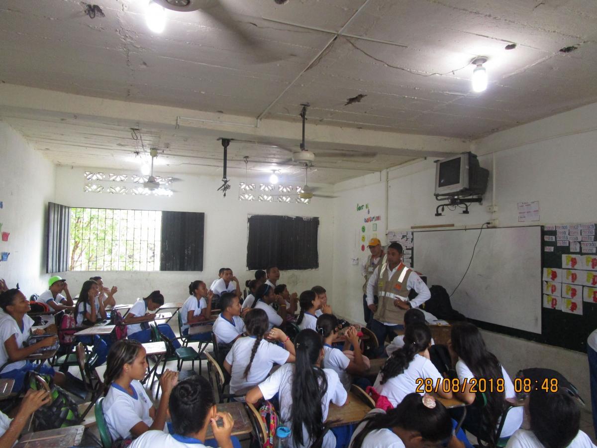 Campaña de cultura vial dirigida a la niños de la Institución Educativa Bomboná de Puerto Berrío.